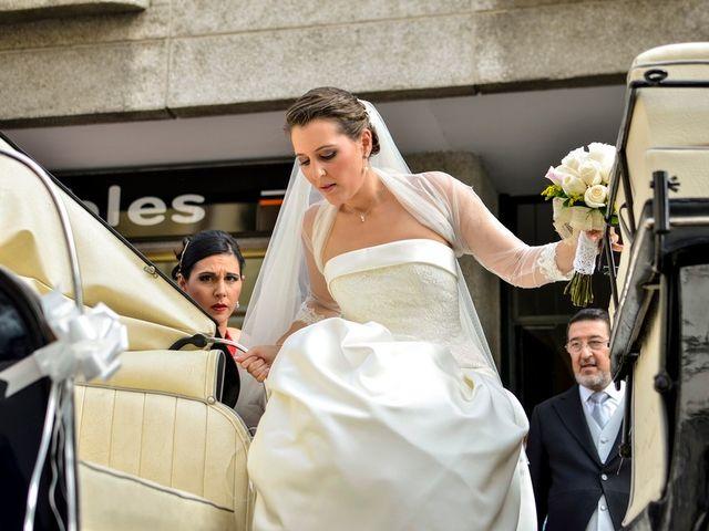 La boda de Javier y Cristina en Santiponce, Sevilla 30