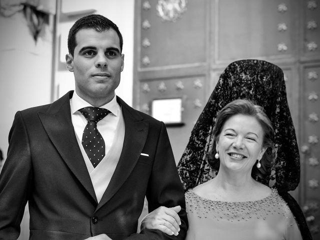 La boda de Javier y Cristina en Santiponce, Sevilla 35