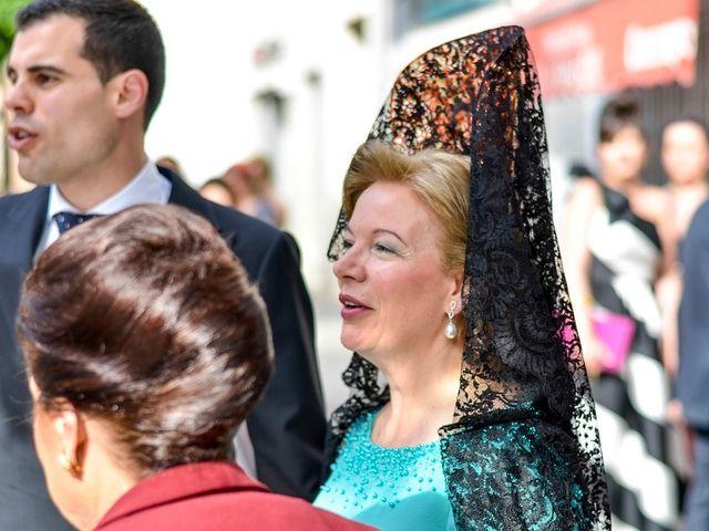 La boda de Javier y Cristina en Santiponce, Sevilla 36