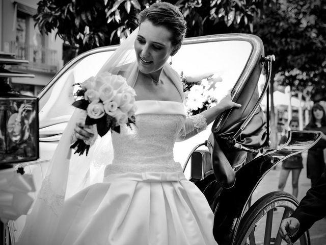 La boda de Javier y Cristina en Santiponce, Sevilla 43