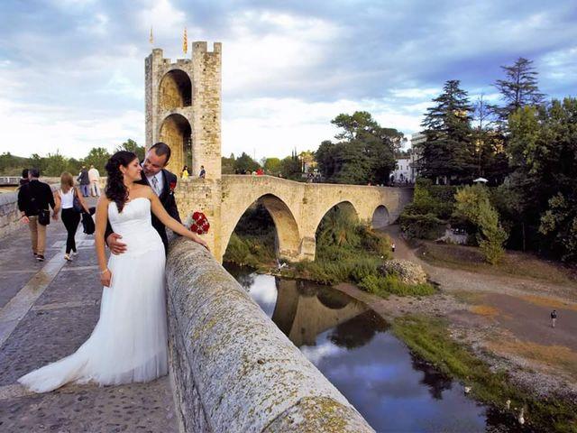 La boda de Jordi y Cristina en Besalu, Girona 12