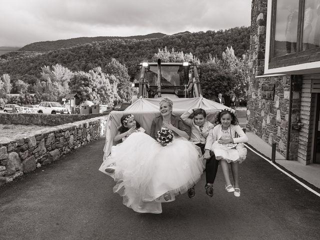 La boda de Miguel y Nuria en Sosas De Laciana, León 16