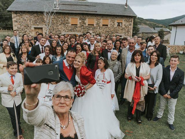 La boda de Miguel y Nuria en Sosas De Laciana, León 26