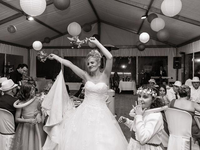 La boda de Miguel y Nuria en Sosas De Laciana, León 30