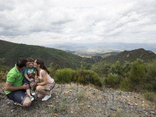 La boda de Jonathan y Sonia en Cabañas Raras, León 4