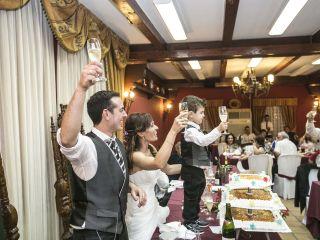 La boda de Jonathan y Sonia en Cabañas Raras, León 39