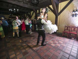 La boda de Jonathan y Sonia en Cabañas Raras, León 40