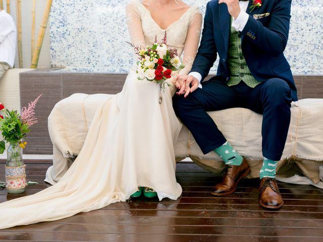 La boda de Cristina y Héctor en La Pobla De Vallbona, Valencia 22