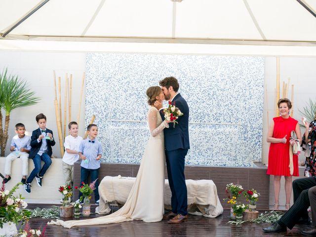 La boda de Cristina y Héctor en La Pobla De Vallbona, Valencia 25
