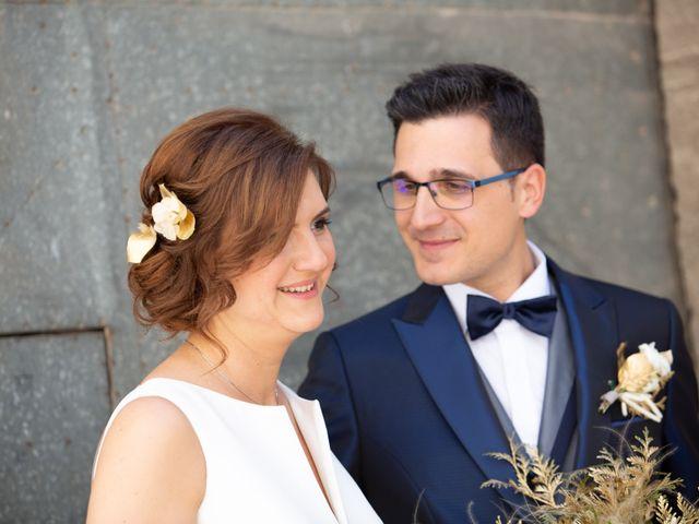La boda de Laura y Jordi en Sant Marti De Tous, Barcelona 24