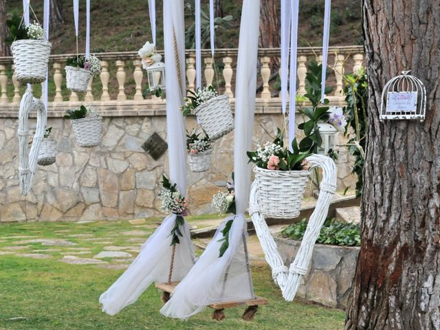 La boda de Desi y Jan en Sant Vicenç De Montalt, Barcelona 16