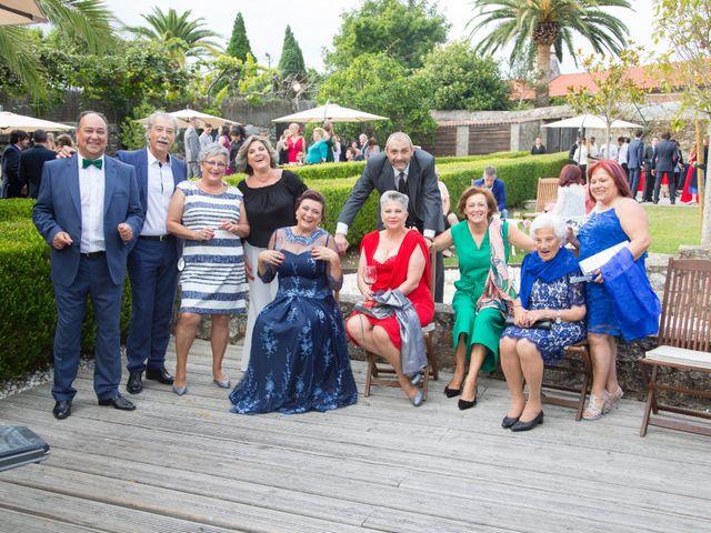 La boda de Adrián y Rebeca en A Coruña, A Coruña 20