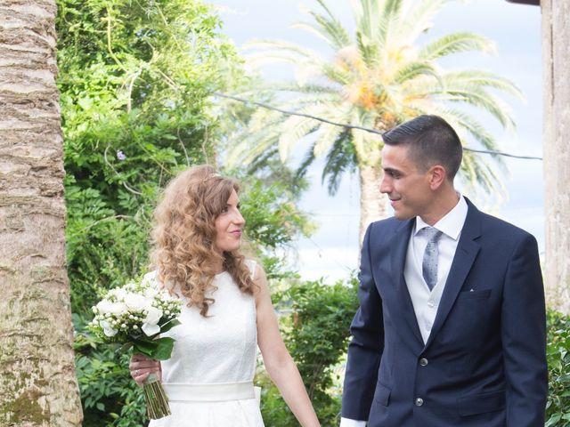 La boda de Adrián y Rebeca en Culleredo, A Coruña 14