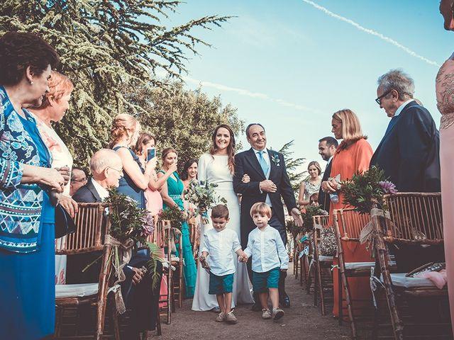 La boda de Juan y Carlota en Guadarrama, Madrid 41