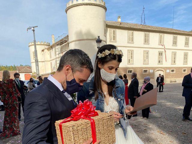 La boda de Josep y Adriana en El Castell Del Remei, Lleida 15