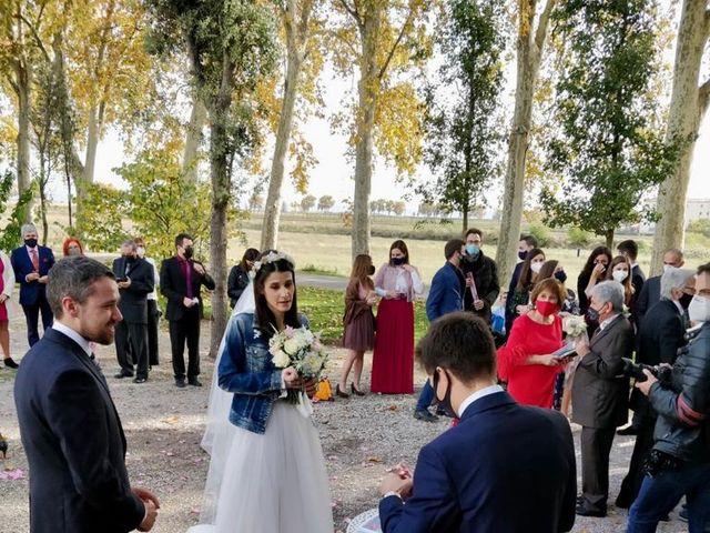 La boda de Josep y Adriana en El Castell Del Remei, Lleida 18