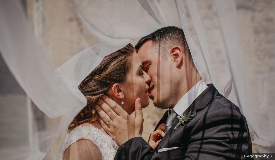 La boda de Omar y Tamara en Oviedo, Asturias