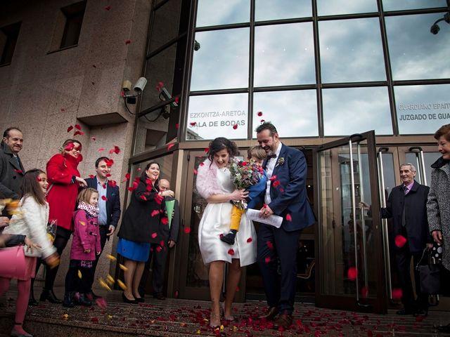 La boda de Victor y Diana en Bilbao, Vizcaya 21