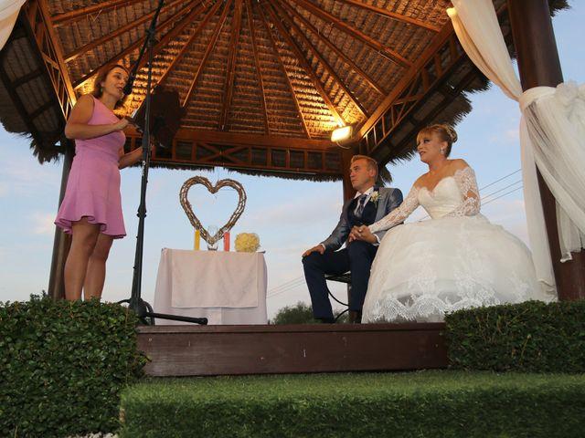 La boda de Salva y Carla en L' Ènova, Valencia 10