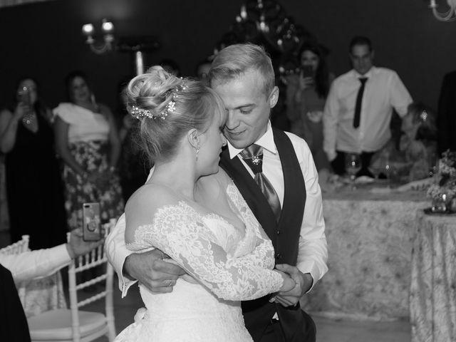 La boda de Salva y Carla en L' Ènova, Valencia 17