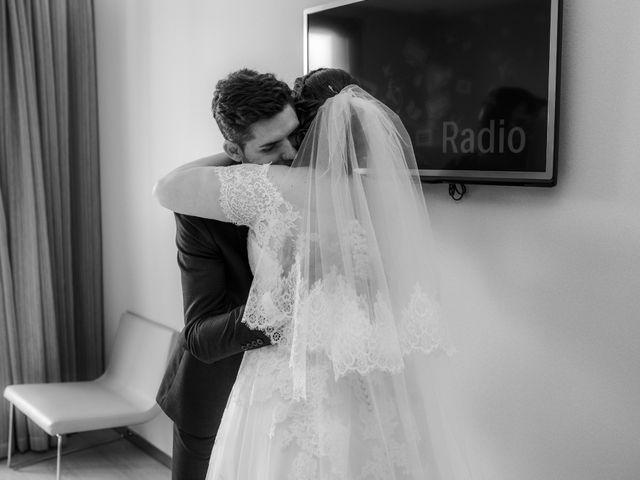 La boda de Valentin y Bianca en Castelló/castellón De La Plana, Castellón 36