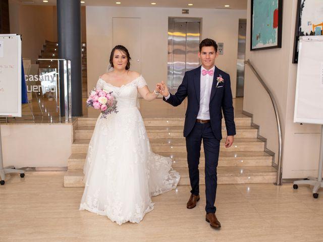 La boda de Valentin y Bianca en Castelló/castellón De La Plana, Castellón 37