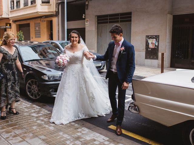 La boda de Valentin y Bianca en Castelló/castellón De La Plana, Castellón 40
