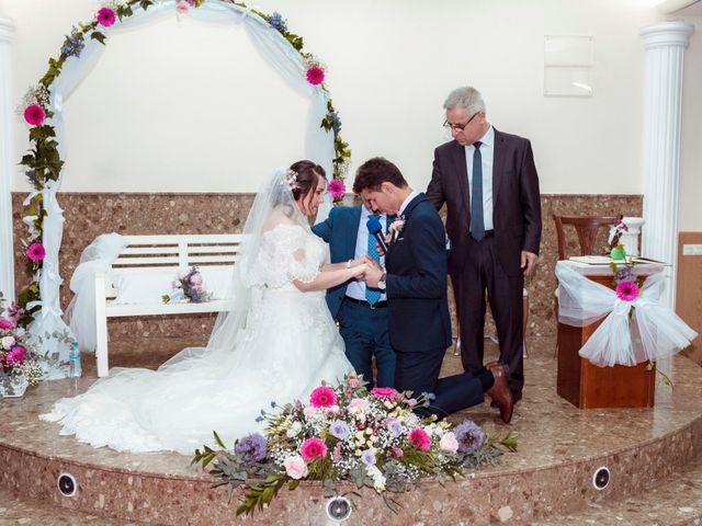 La boda de Valentin y Bianca en Castelló/castellón De La Plana, Castellón 43