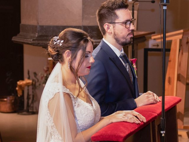 La boda de Jose y Laura en Vilanova Del Valles, Barcelona 25