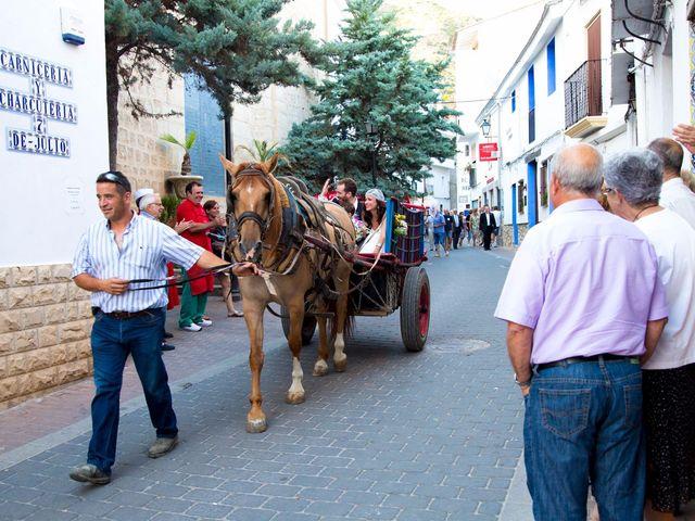 La boda de Miguel y Diana en Sot De Chera, Valencia 5
