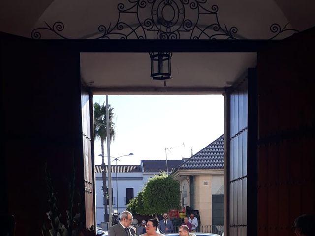 La boda de Carlos y Mila en Santa Amalia, Badajoz 4