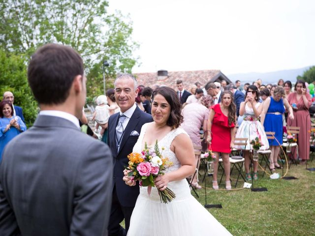 La boda de Sergio y Maitane en Argomaniz, Álava 35