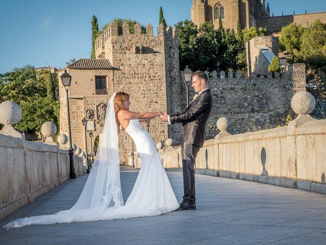 La boda de Jonathan y Mª Carmen en Illescas, Toledo 16