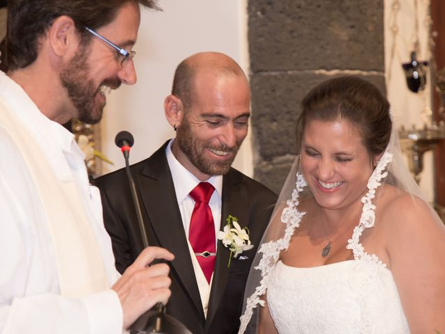 La boda de Jacopo y Azahara en Playa Blanca (Yaiza), Las Palmas 9