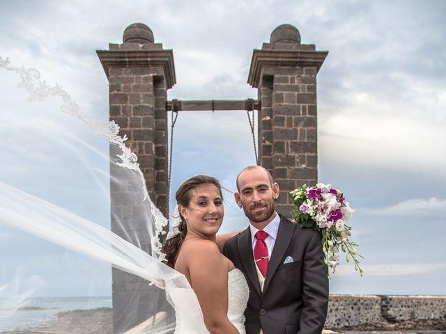 La boda de Jacopo y Azahara en Playa Blanca (Yaiza), Las Palmas 22