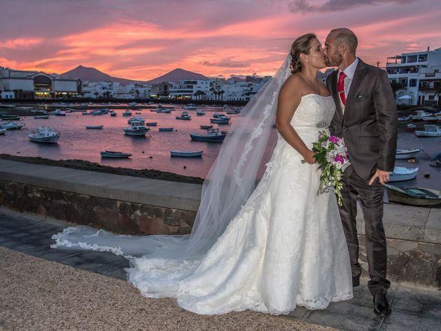 La boda de Jacopo y Azahara en Playa Blanca (Yaiza), Las Palmas 29