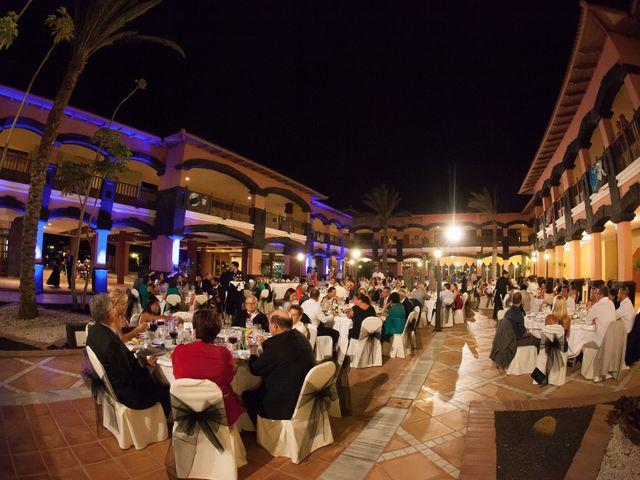 La boda de Jacopo y Azahara en Playa Blanca (Yaiza), Las Palmas 35