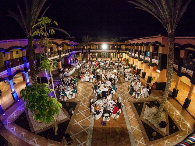 La boda de Jacopo y Azahara en Playa Blanca (Yaiza), Las Palmas 37