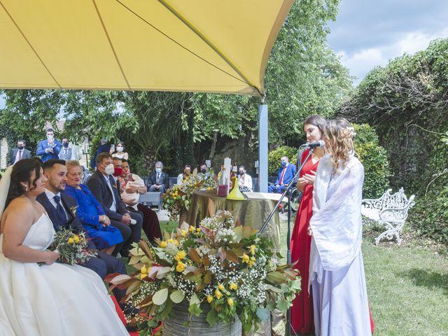 La boda de Javi y Cova en Colloto (Siero), Asturias 51