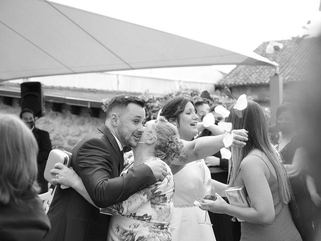 La boda de Javi y Cova en Colloto (Siero), Asturias 81