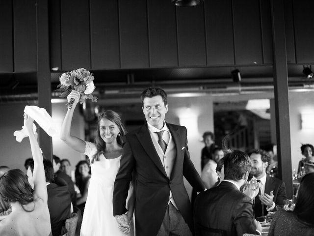 La boda de Jon y Lucia en Berango, Vizcaya 37