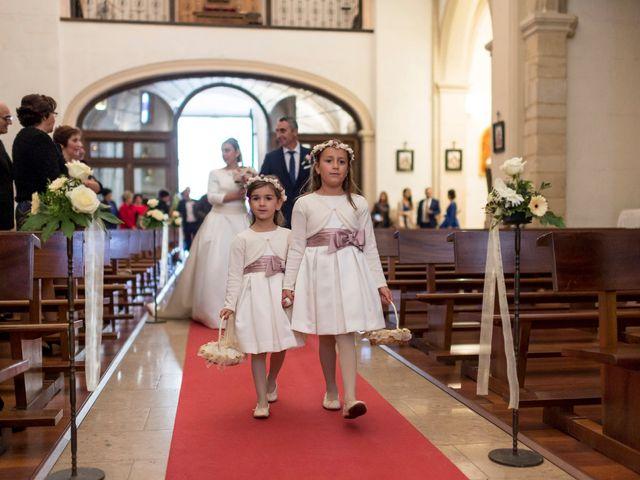 La boda de Miguel y Laura en L' Alcora, Castellón 22