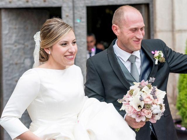 La boda de Miguel y Laura en L' Alcora, Castellón 28