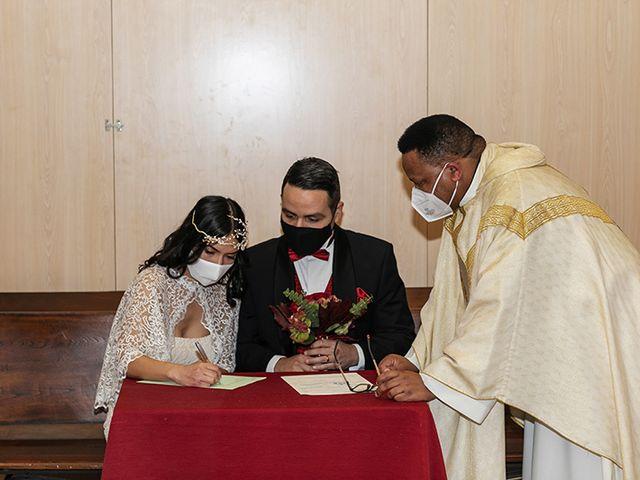 La boda de Wallys y Carla  en Barcelona, Barcelona 24