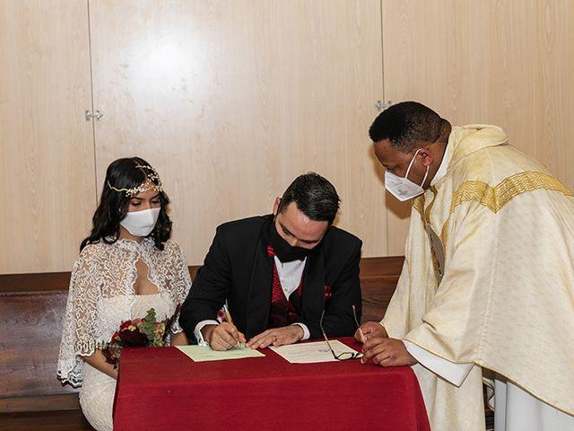 La boda de Wallys y Carla  en Barcelona, Barcelona 25