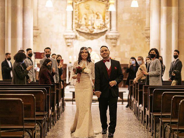 La boda de Wallys y Carla  en Barcelona, Barcelona 31