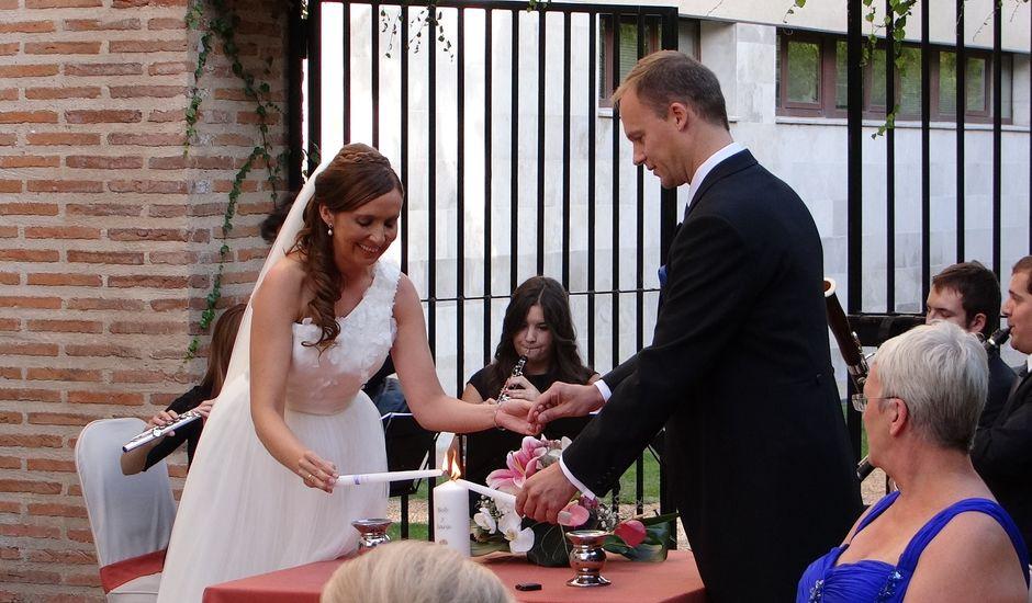 La boda de Bob y Sara en Olmedo, Valladolid