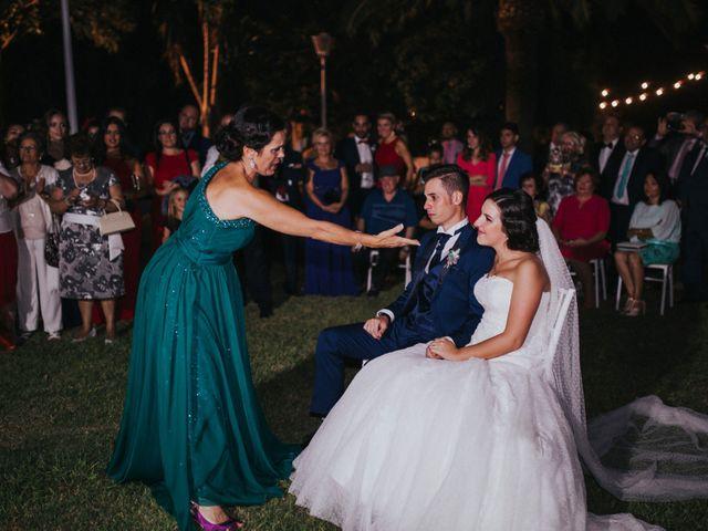 La boda de Benjamin y Rebeca en Dos Hermanas, Sevilla 42