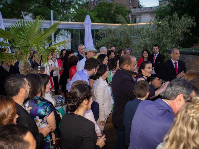 La boda de Patricia y Raquel en Madrid, Madrid 17