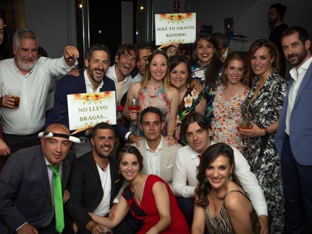 La boda de Patricia y Raquel en Madrid, Madrid 32